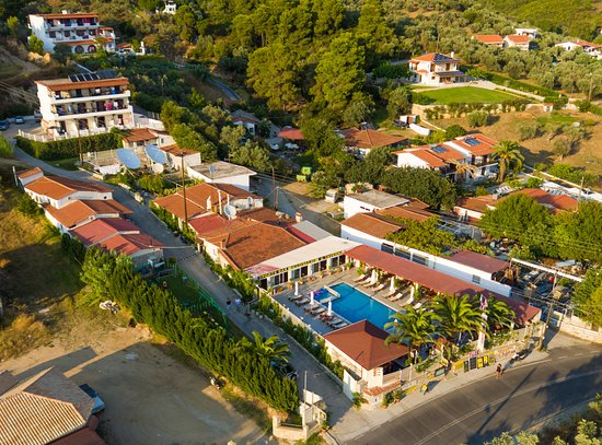 Christakis studios skiathos greece specialty hotel for Specialty hotels