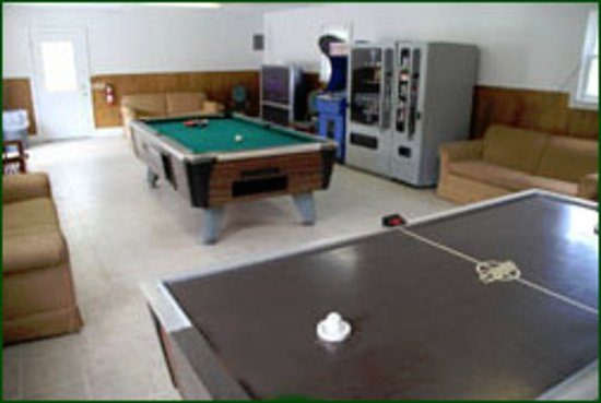 Kennebunk, ME: GAME ROOM