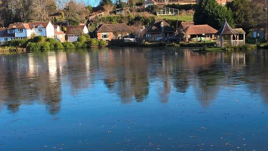 Battle, UK: Lake behind the hotel