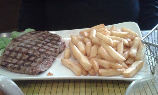 Creperie du Puits : steack/frites