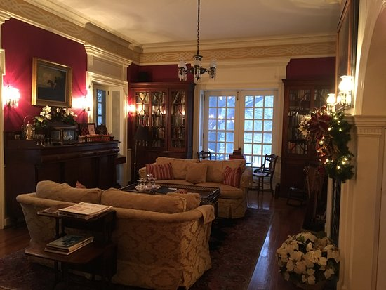 Chester Heights, PA: Part of the beautiful lounge area.