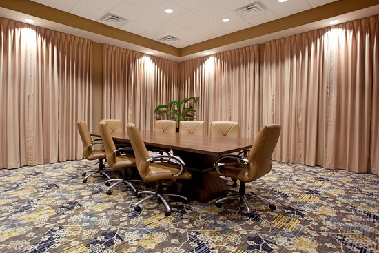 West Columbia, SC: Board Room-Only 3 mi. to Downtown Columbia & 10 min. to Lexington