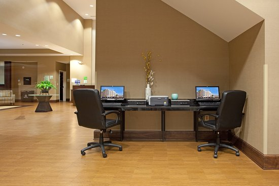 West Columbia, SC: Business Center- Hotel only minutes University of South Carolina