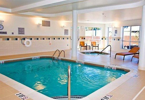 Owensboro, KY: Indoor Pool & Spa