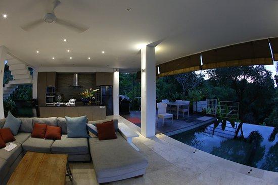 Bali Jiwa Villa: Kitchen