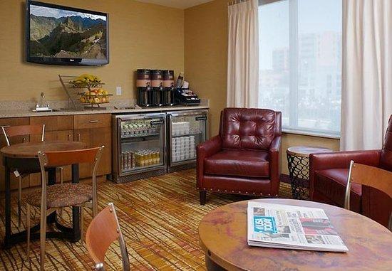 Аврора, Колорадо: Lobby Lounge