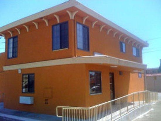 San Pablo, Калифорния: Sands Motel Main Lobby Exterior