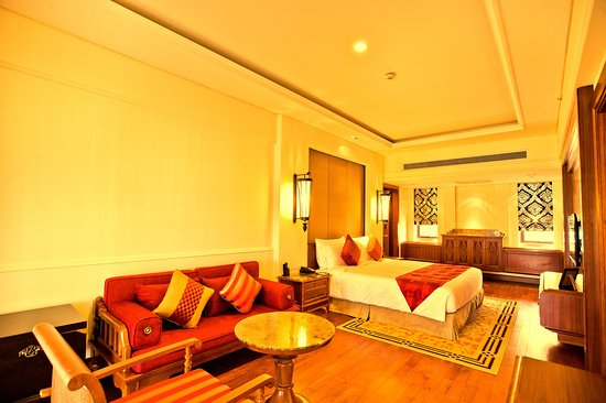 Jinghong, China: Suite