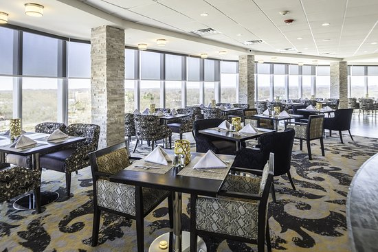 Sky Restaurant and Bar at Crowne Plaza Saddle Brook