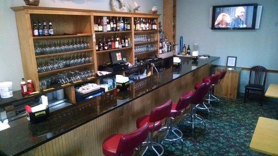 Buzzards Bay, MA: Shark Tank Bar