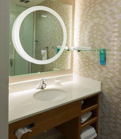 Enid, OK: King Suite - Bathroom