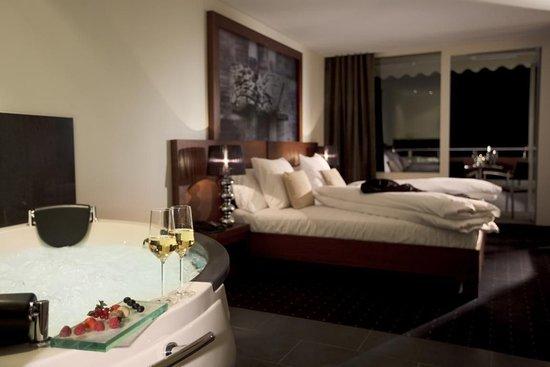 Sigriswil, Швейцария: HoneyBear Suite