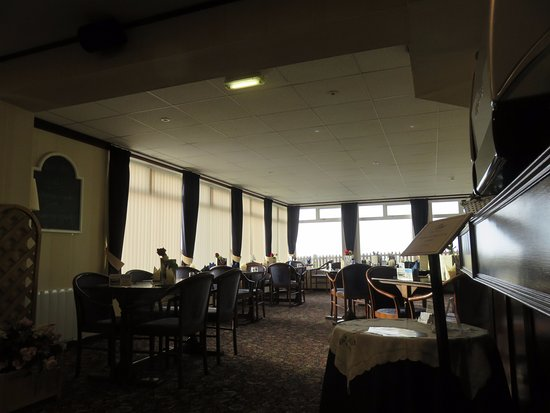 Glenrothes, UK: dining room