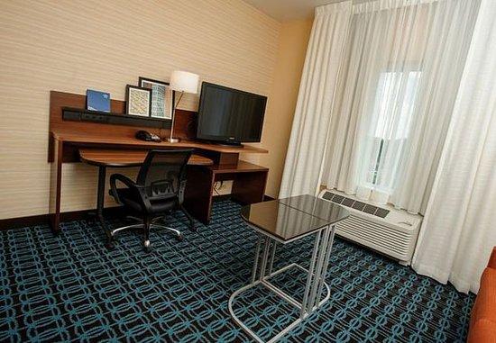 Athens, AL: King Suite Work Area