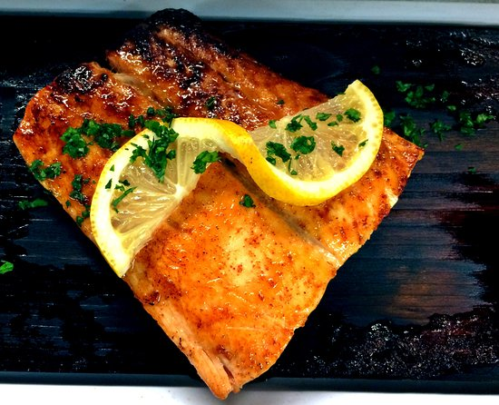 Morgans and Little Black Dog Tavern: Cedar Plank salmon