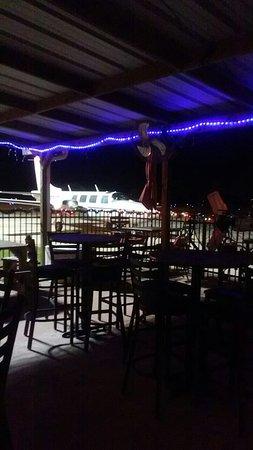 Angleton, Teksas: Runway cafe