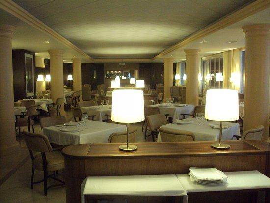 Sunway Playa Golf Hotel & Spa Sitges: Uno de los restaurantes.