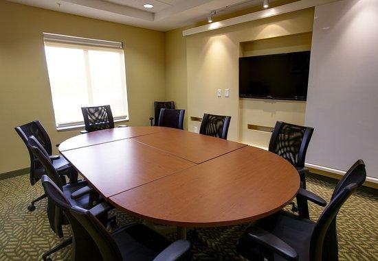 Ridgeland, MS: Boardroom