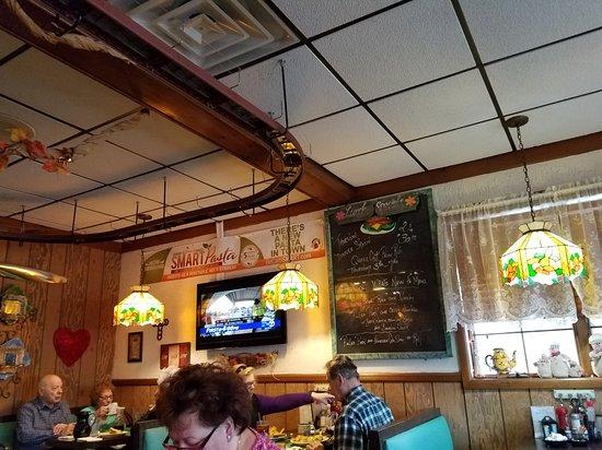 Lakehurst, NJ: Sandy's Cozy Corner
