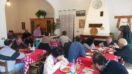 San Colombano Certenoli, Italy: pranzo in settimana
