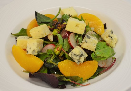 Nairn, UK: Blue Cheese and Orange Salad