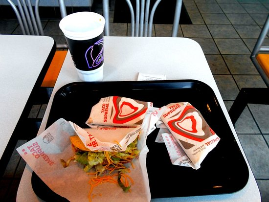 3 tacos and iced tea at Taco Bell Watervliet MI