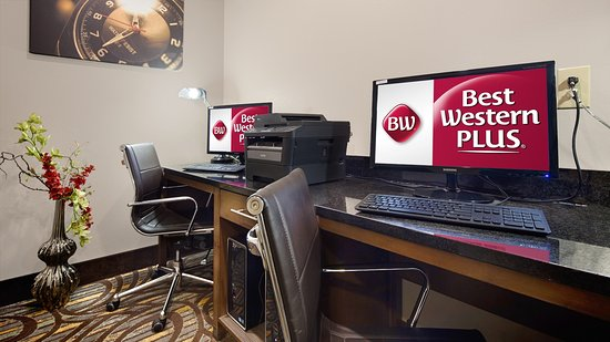 Washington, MO: Print airline tickets, make copies, check e-mails, and more.  Our business center is open 24/7!