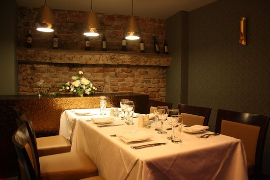 Royal Spice Indian Restaurant: Private Room - table for 6 People
