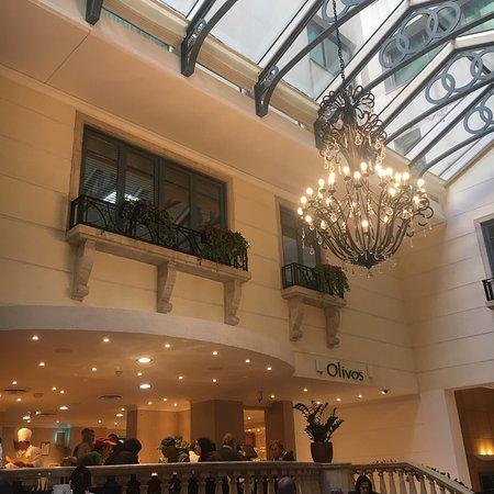 貝魯特馬丁內斯麗笙飯店張圖片
