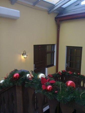 """Отель """"Reikartz Медиваль"""": дверь в 308 номер стандарт(окно номера рядом с дверью)"""