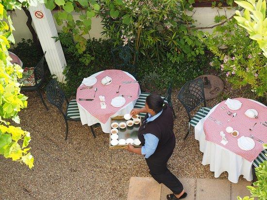 La Fontaine Guest House: Gleich gibt's Frühstück