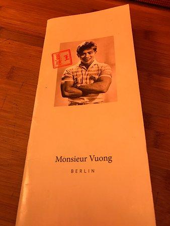 Monsieur Vuong menu