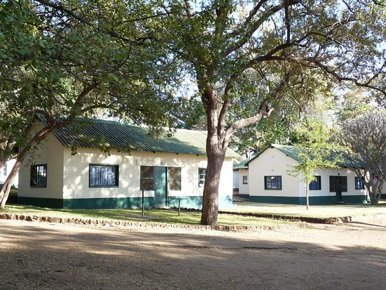 Victoria Falls Rest Camp & Lodges: Self contained cottages