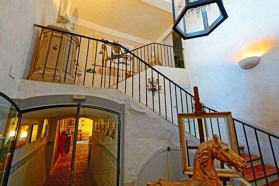 Ortaffa, Франция: Architecture intéressante ...