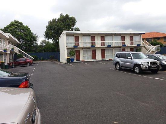 Essendon, Australia: Car parking area