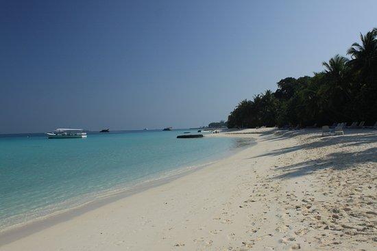 Kuramathi: spiaggia lato laguna