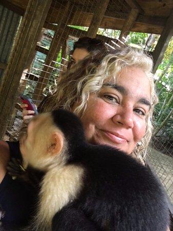 Sandy Bay, ฮอนดูรัส: The monkey and I
