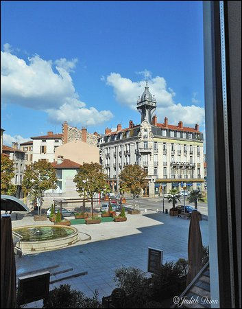 Ibis Styles Le Puy-en-Velay Centre: another peek out of our window....