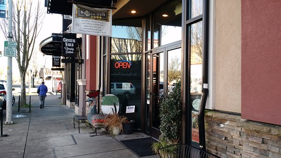 Corvallis, OR: Broken Yolk Cafe is Open for Business