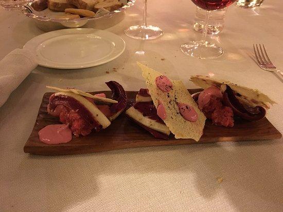 Selvazzano Dentro, Italia: tartar e radicchio