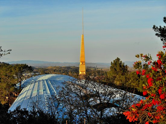 San Rafael, CA: Frank Lloyd Wright's Marin County Civic Center