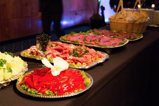 Pittston, Пенсильвания: The Gramercy as many buffet options and packages to choose from!