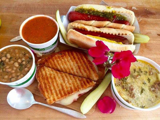 Eastsound, Waszyngton: Awesome panini, soups, chili and brats