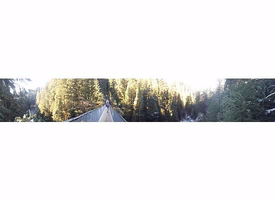 North Vancouver, Canadá: panoramic view of bridge