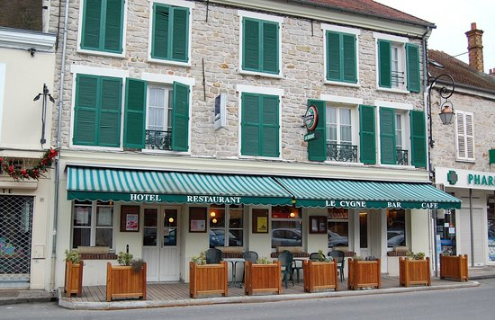 Le cygne milly la foret restaurant avis num ro de t l phone photos tripadvisor - Office tourisme milly la foret ...