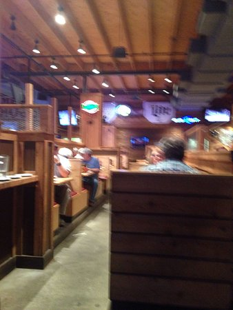 Prattville, AL : Supper at the roadhouse
