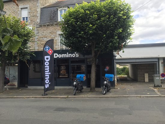 Guingamp, France: Domino's Pizza