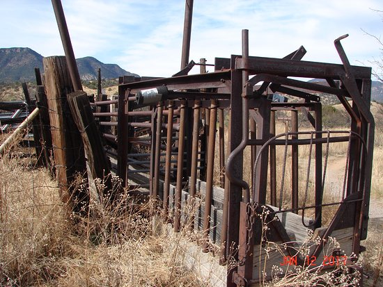 Sierra Vista, AZ: A section of the corral on the grounds.