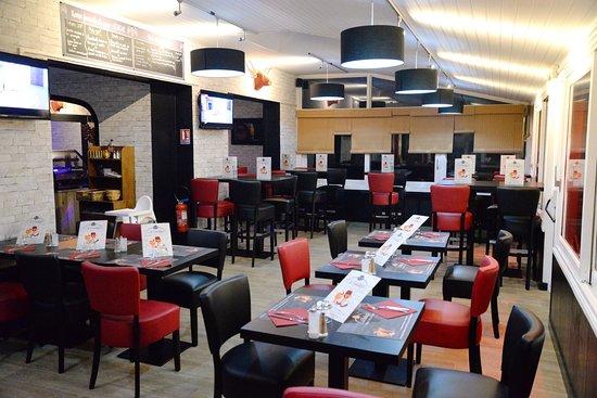 Montbazon, Frankrijk: Espace restaurant et espace bar 😊😊