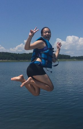 Bull Shoals Lake: Grandson isn't the only one who can jump off a cliff. Go Téa!